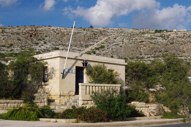 The police station in Għar Lapsi is so cute!