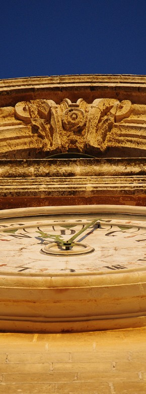 20091031_mdina_clock_thin